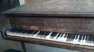 Craved Piano